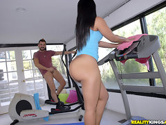 Thick ass ebony teen pounded hard in this treadmill fucking cumfaced real sex [12 pictures]